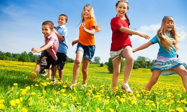 Technology vs Nature: Why Outdoors Activities Are Essential For Kids
